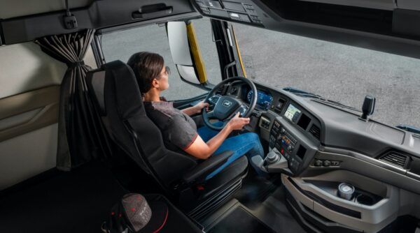 chauffeur in truck MAN