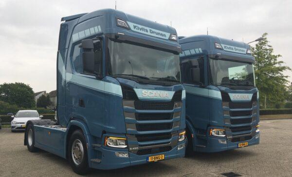 Kivits Drunen nam recent twee Scania S450 4x2-trekkers met een Highline-cabine in gebruik. Nog twee S450 en één S500 zullen binnenkort volgen.