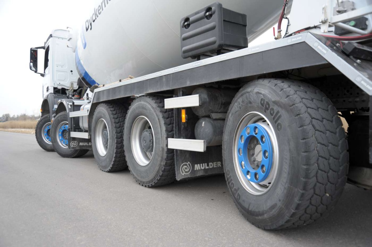 mercedes-benz arocs 10x4 betonmixer
