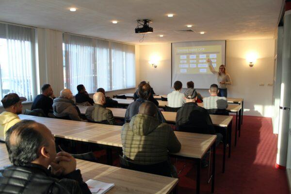 dag van de vrachtwagenchauffeur voorlichting opleidingstraject Randstad Vakschool