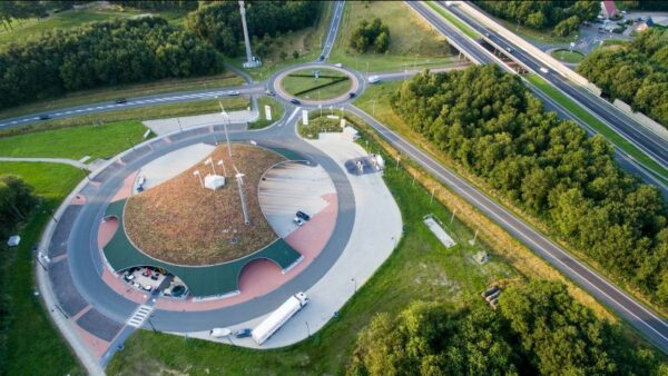 luchtfoto multifueltankstation green planet pesse