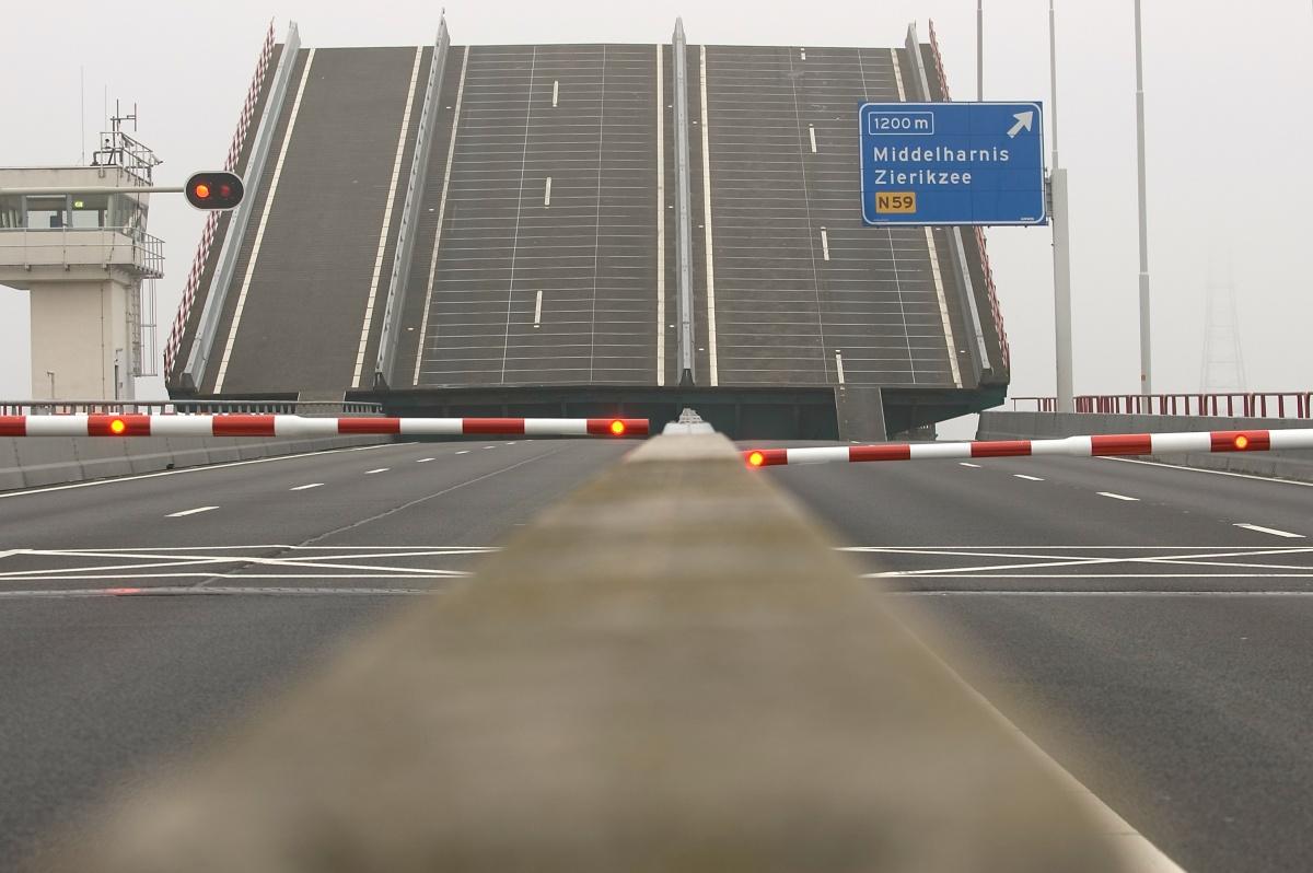 haringvlietbrug staat open