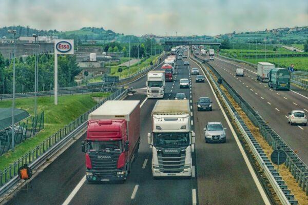 Extra subsidie werkgevers en vakbonden voor werving 1.250 chauffeurs