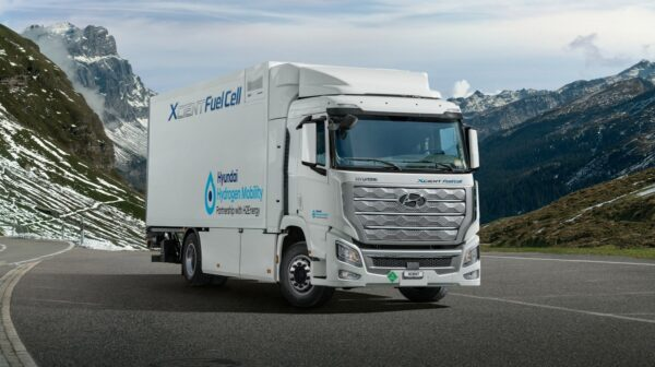 hyundai xcient fuel cell in zwitserland