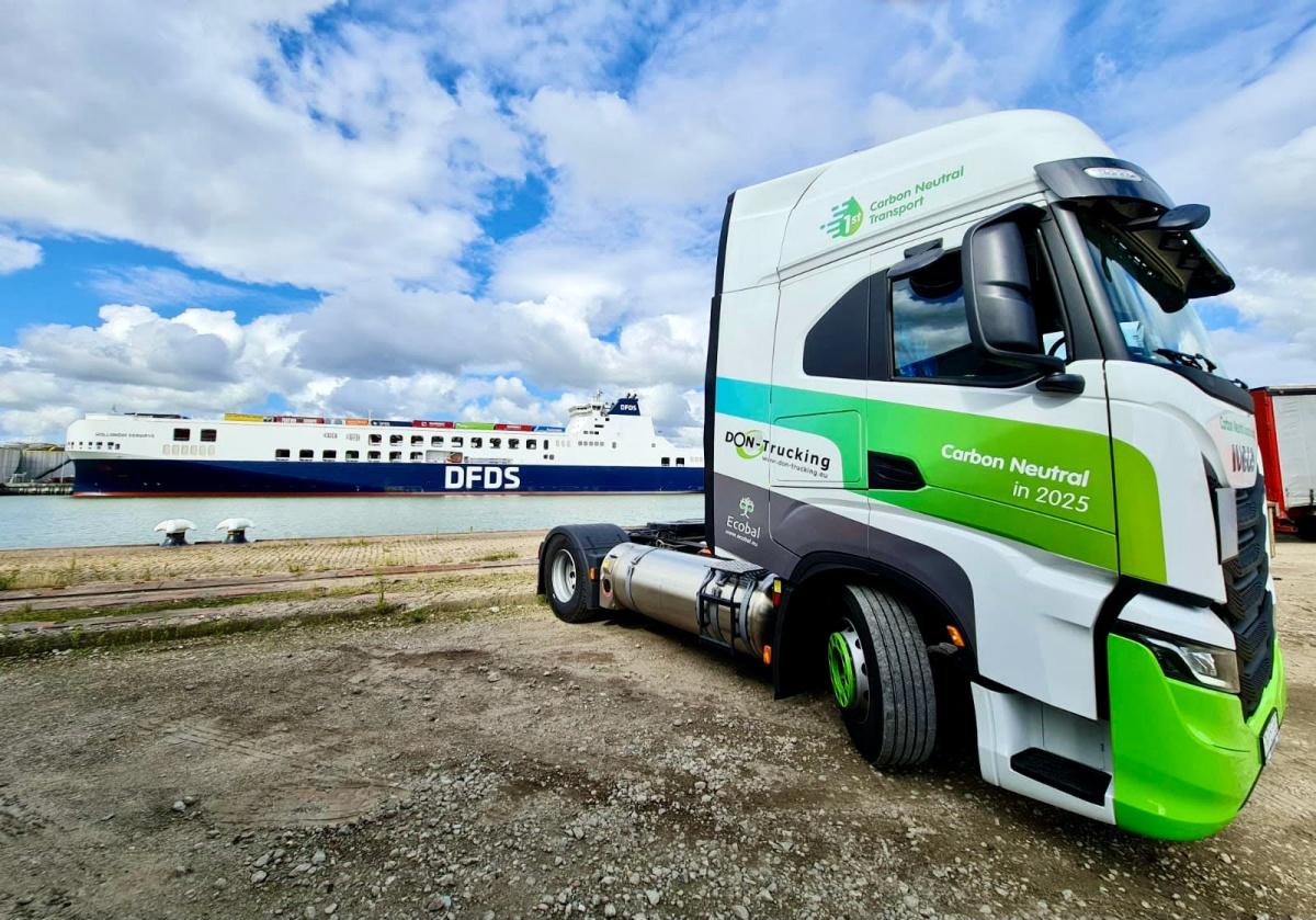 vrachtwagen lng don trucking dfds schip