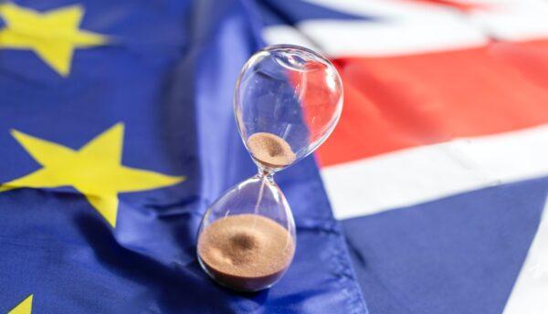zandloper bijna leeg vlag united kingdom vlag european union no deal-brexit