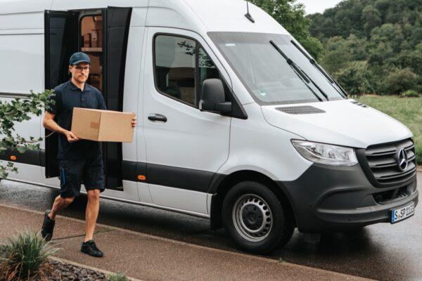 mercedes-benz sprinter speed delivery door