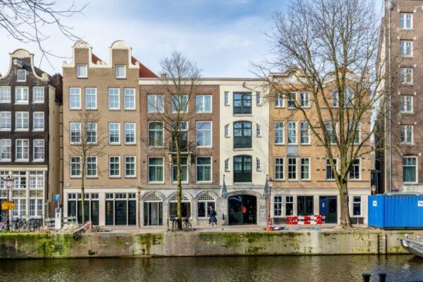 verbouw hotel geldersekade amsterdam water
